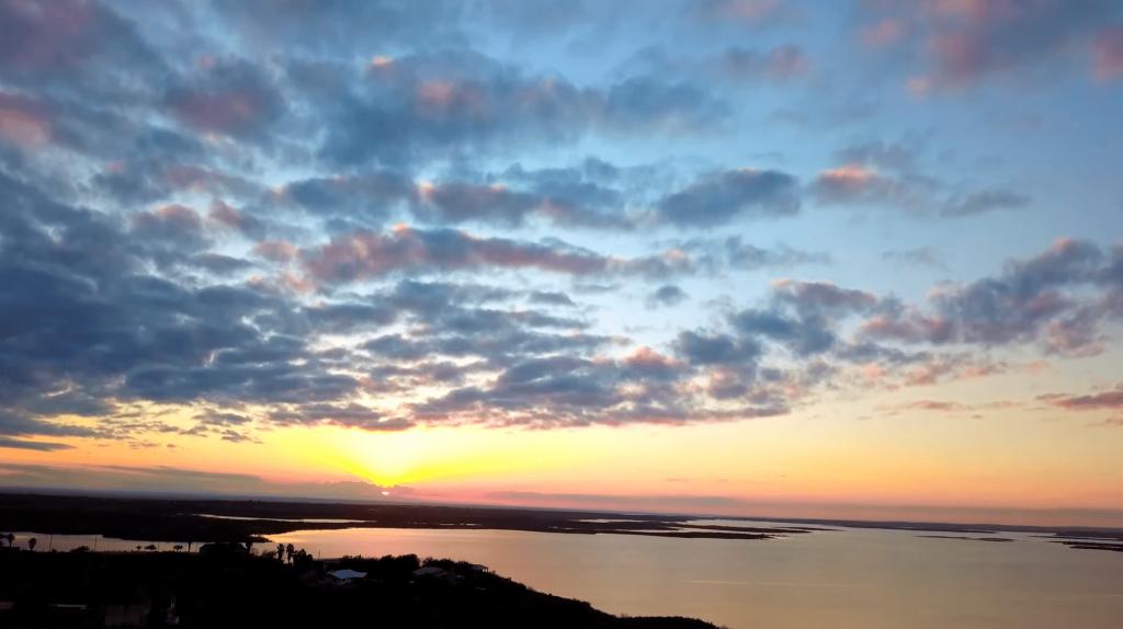 Sunset on lake Amistad